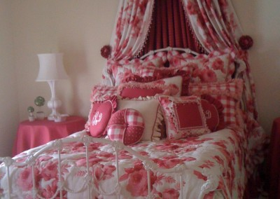 Bedding canopy
